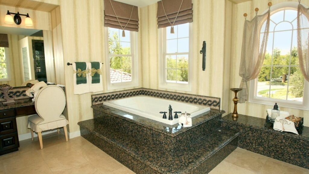 Luxury Bathroom With Built In Tub