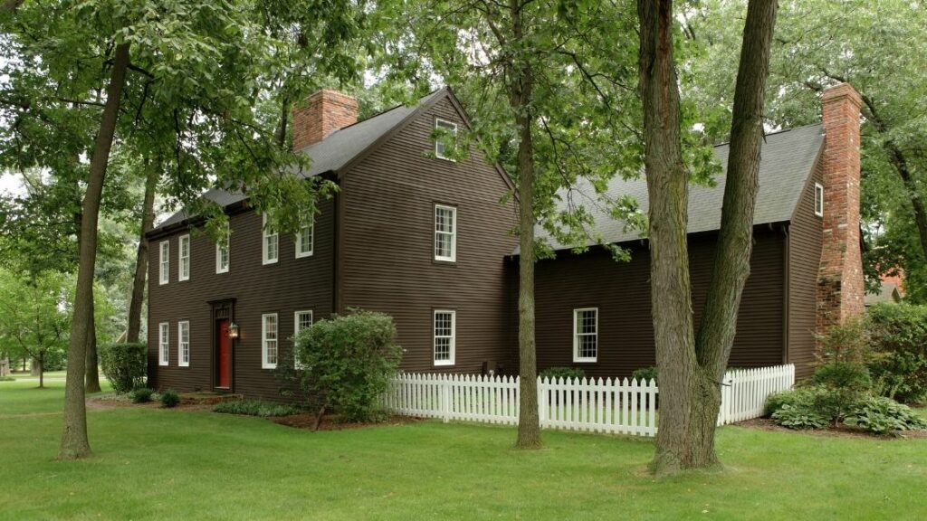 Reproduction Saltbox Home