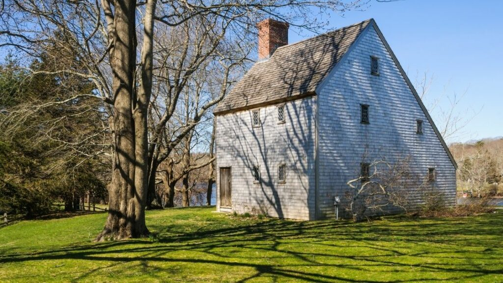 Traditional Saltbox Home
